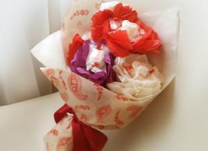 букет из конфет, сладкий подарок, доставка подарков киев