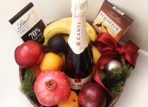 Подарочная корзина, фруктовая корзина, подарочная корзина на Новый год, корпоративные подарки, сладкие подарки