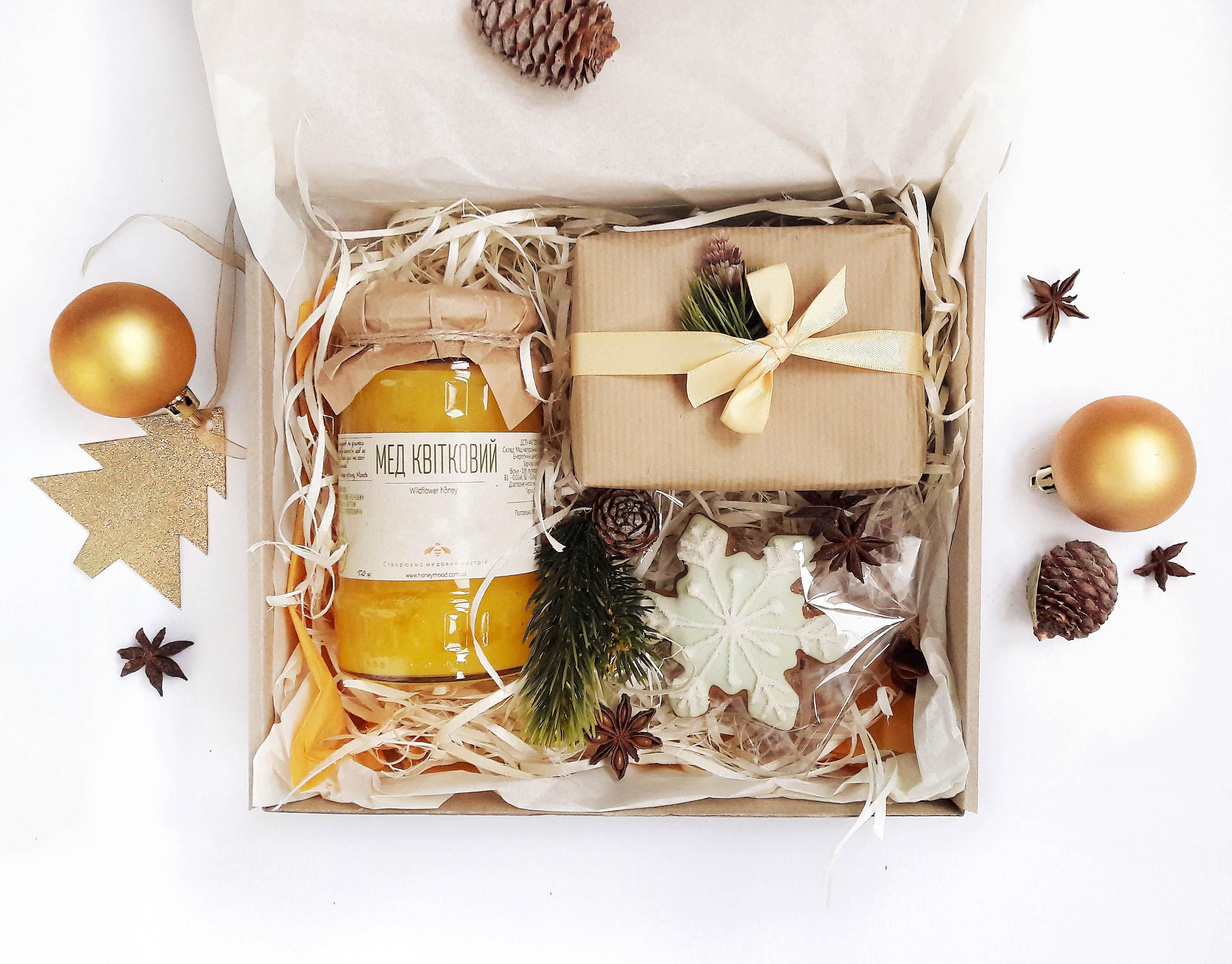 Подарочные наборы новогодние с едой 84