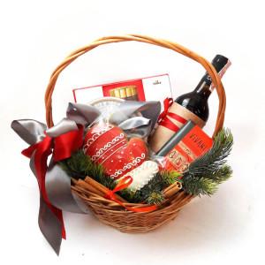 Новогодняя подарочная корзина, подарочная корзина на новый год, подарочная корзина со сладостями, подарочная корзина доставка по киеву, сладкие подарки на Новый год