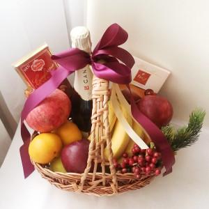 Подарочная корзина, фруктовая корзина, подарочная корзина на Новый год
